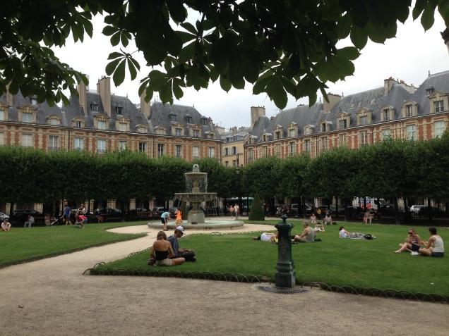 Place des Vosges -Paris